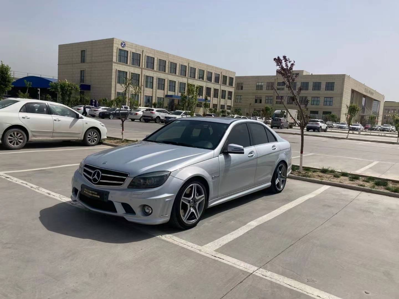 郑州车友-12年3月,奔驰C63,457马力,车况原版补漆,内饰很新,动力刚刚的,当年落 ...(2)